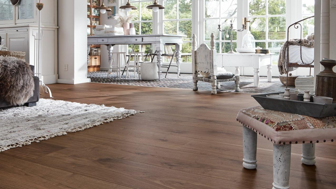 meister lindura holzboden hd 300 nussbaum amerikanisch lebhaft 8523 landhausdiele 1 stab. Black Bedroom Furniture Sets. Home Design Ideas