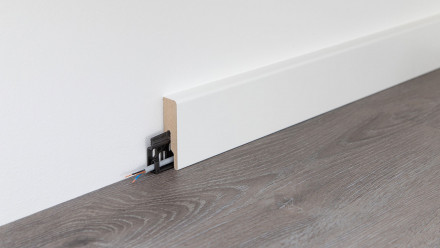 Wineo Fußleiste Weiß Contrast skirting white 16 x 60 x 2380 mm