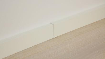 Verbindungsstück selbstklebend für Fußleiste F100201M Modern Weiß 18 x 50 mm